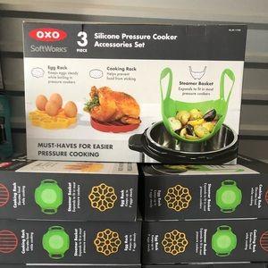 Oxo 3 piece pressure cooker accessories